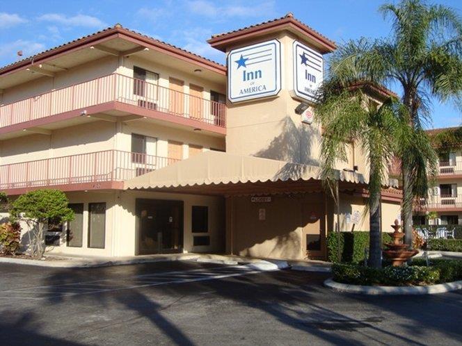 Exterior view - Inn of America Palm Beach Gardens