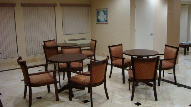Lobby - Inn of America Palm Beach Gardens