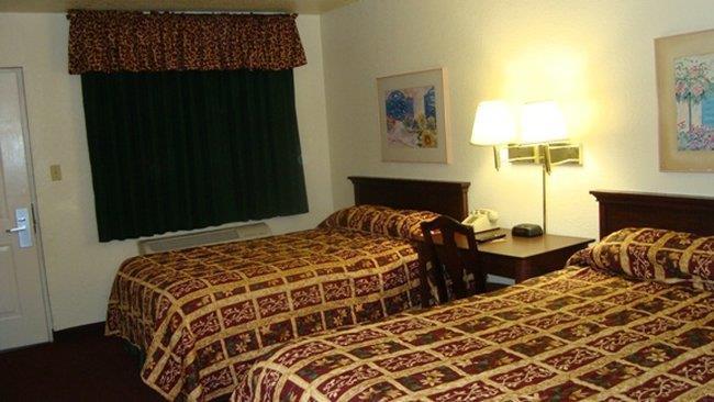 Room - Inn of America Palm Beach Gardens
