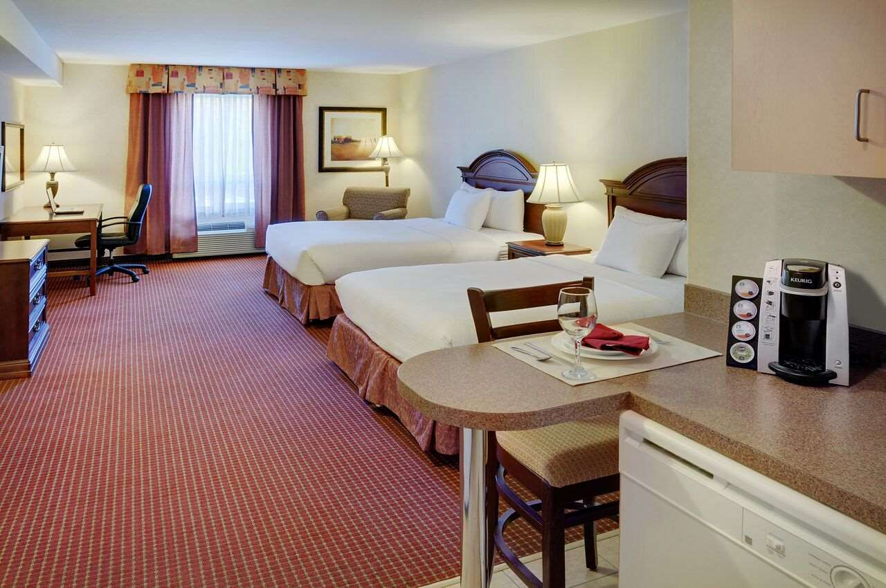 Room - Pomeroy Inn & Suites Grimshaw