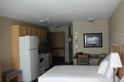 Room - Paradise Inn & Suites Valleyview