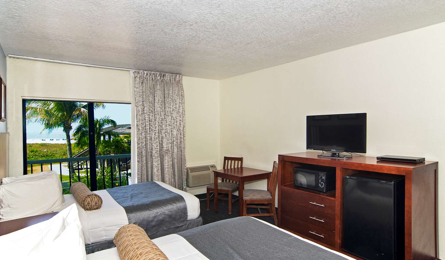 Room - Beachcomber Beach Resort & Hotel St Pete Beach