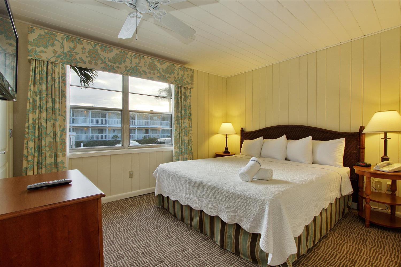 Sanibel Island Hotels: Sanibel's Seaside Inn Sanibel Island, FL