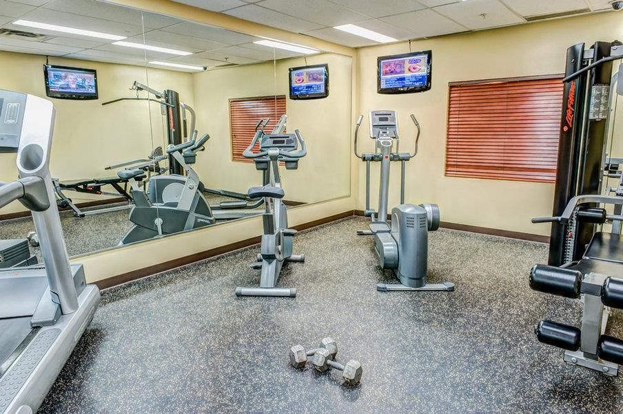 Fitness/ Exercise Room - Clearwater Suite Hotel Fort McMurray
