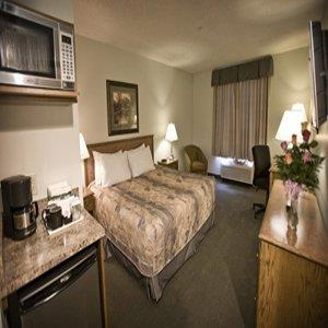 Room - Service Plus Inns & Suites Drayton Valley