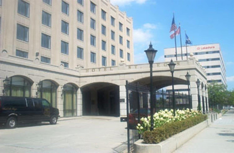 Exterior view - Hotel St Regis Detroit