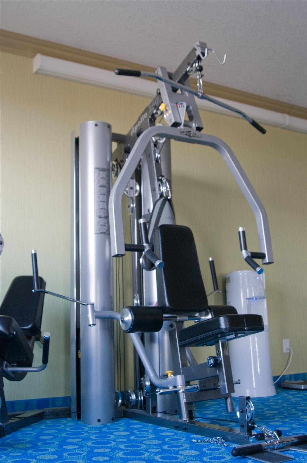 Fitness/ Exercise Room - Redwood Inn & Suites Clairmont