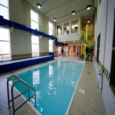 Pool - Redwood Inn & Suites Clairmont