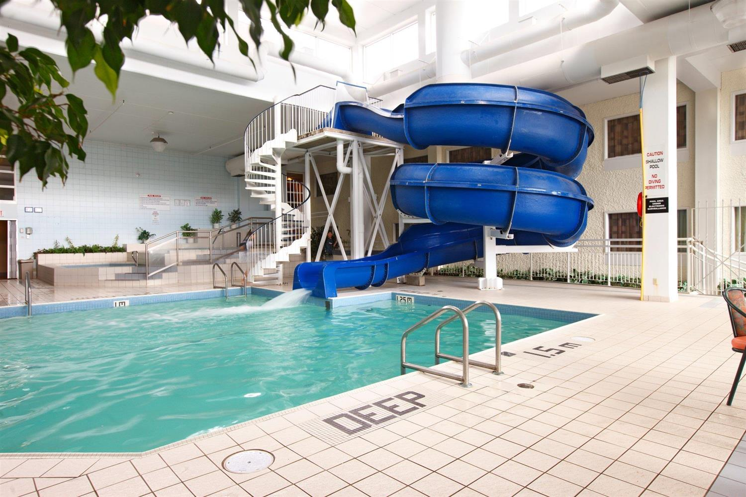 Pool - Viscount Gort Hotel Winnipeg