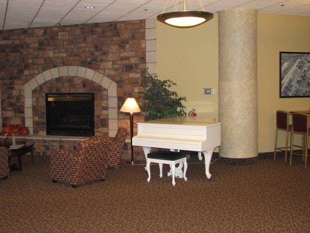 Lobby - Suites Hotel at Waterfront Plaza Duluth
