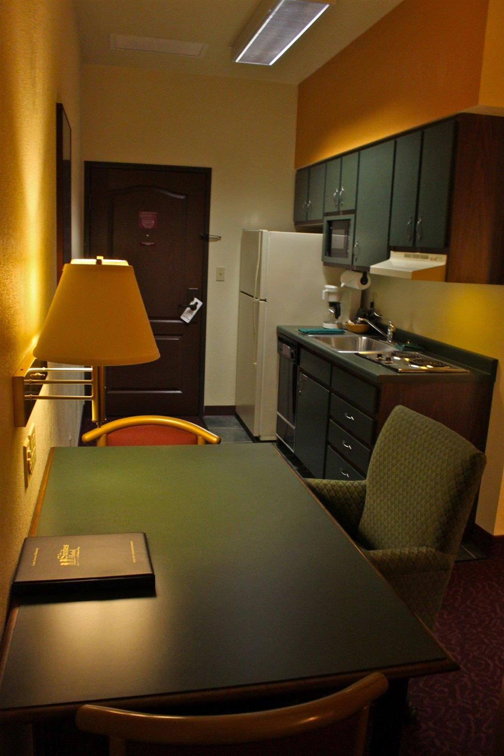 Amenities - Suites Hotel at Waterfront Plaza Duluth