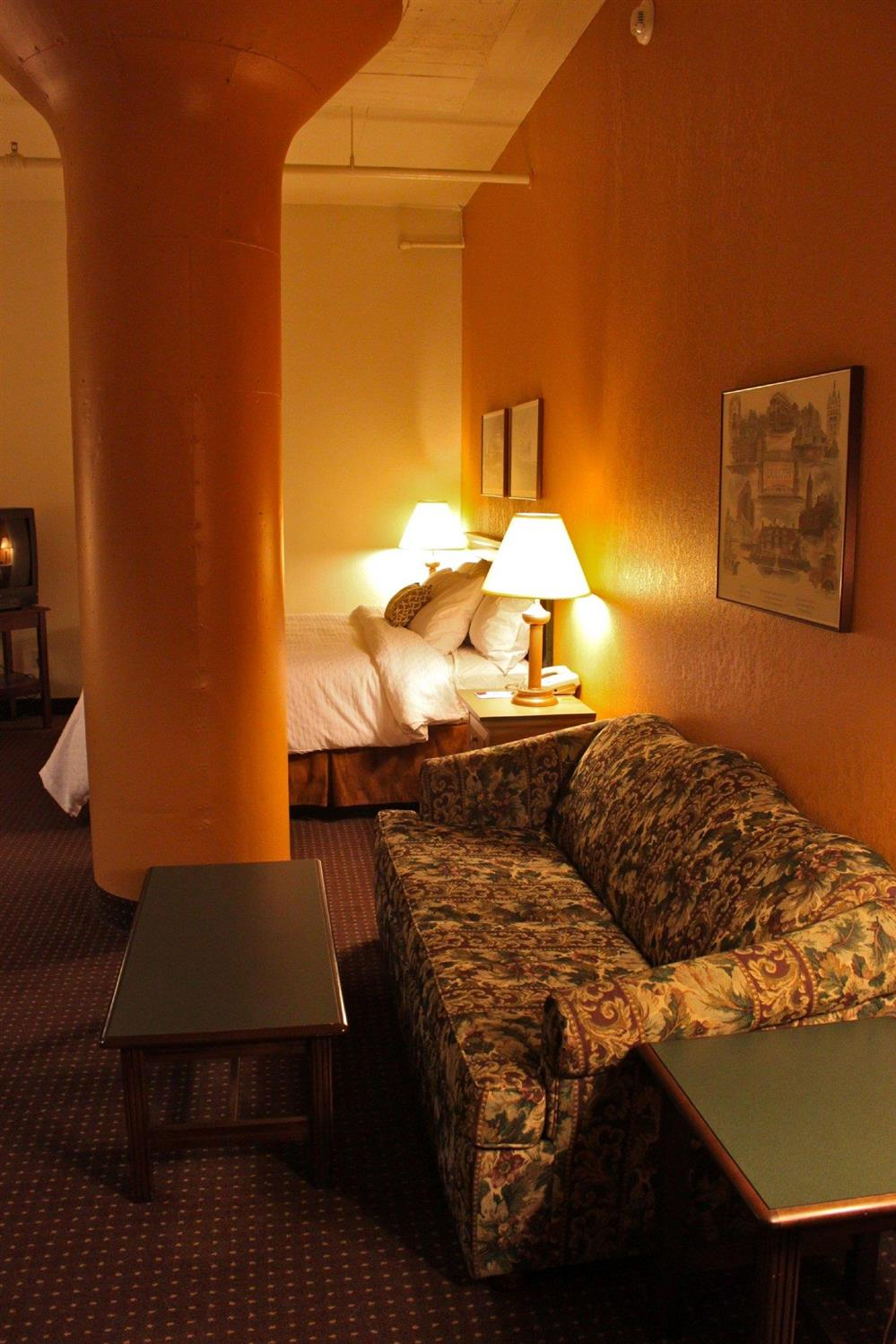 Suite - Suites Hotel at Waterfront Plaza Duluth