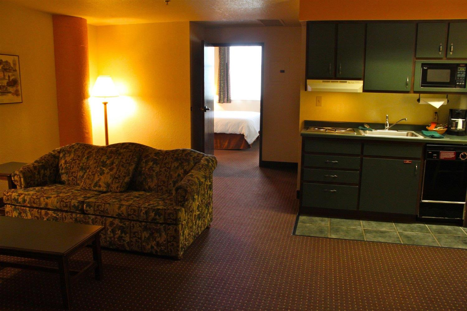Room - Suites Hotel at Waterfront Plaza Duluth