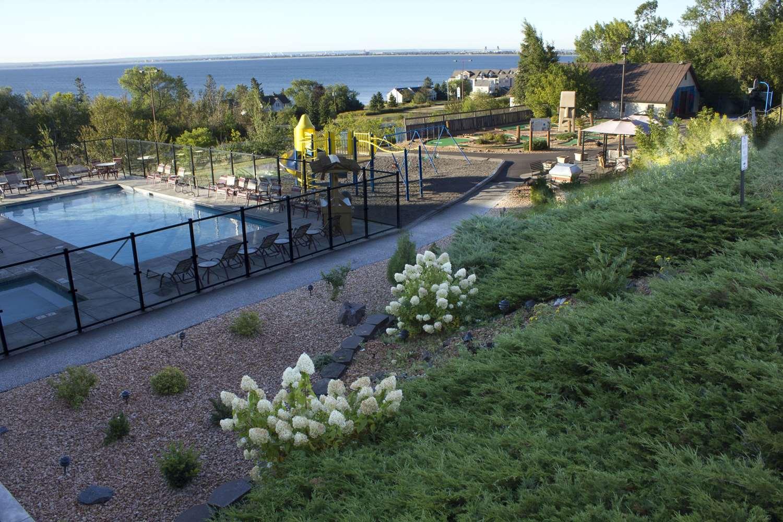 Exterior view - Edgewater Resort Duluth