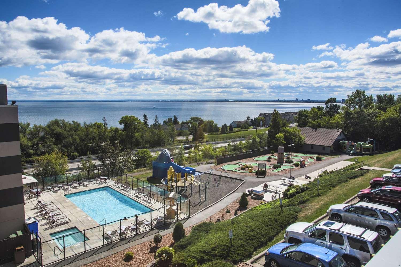 Pool - Edgewater Resort Duluth