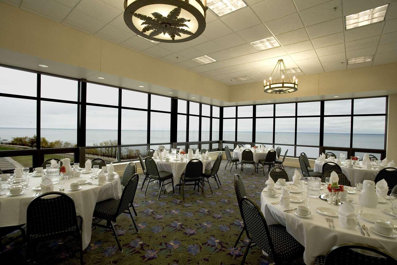 Restaurant - Edgewater Resort Duluth