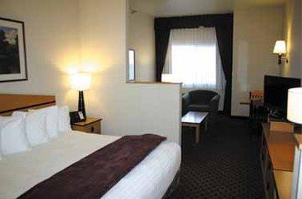 Room - Crystal Inn Airport Hotel Great Falls