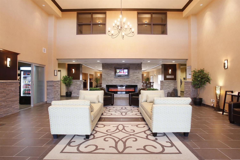 Lobby - Pomeroy Inn & Suites Vegreville