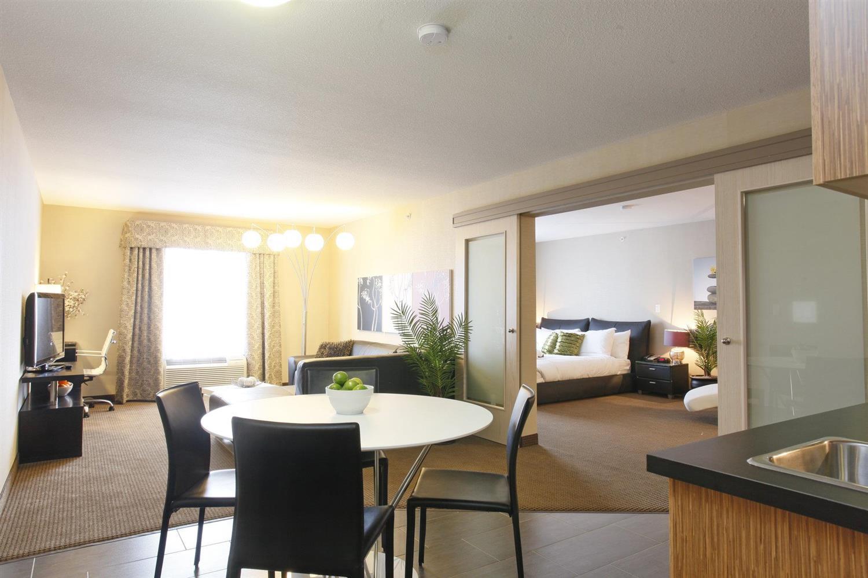 Suite - Pomeroy Inn & Suites Vegreville