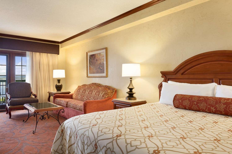 Chateau On The Lake Resort & Spa Branson, MO