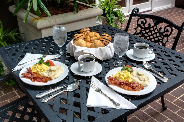 Restaurant - Hotel Mazarin New Orleans