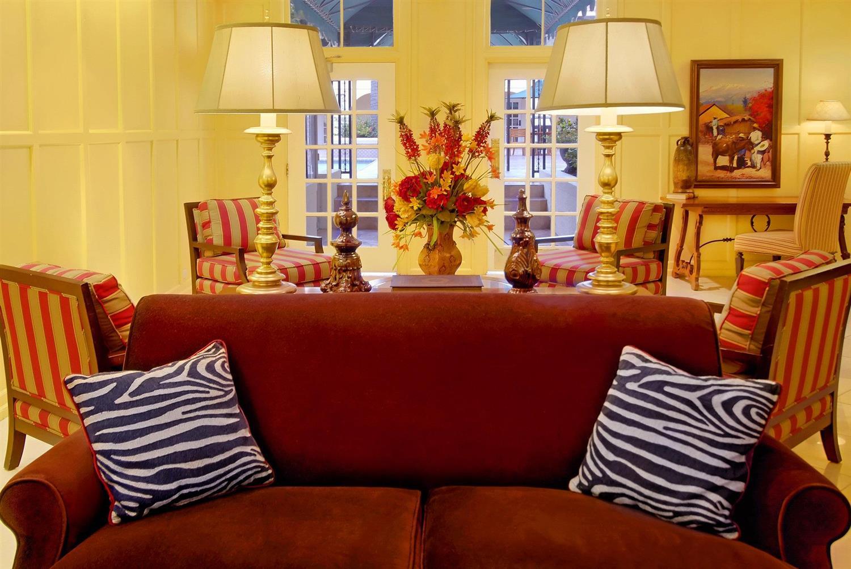 Lobby - La Posada Hotel & Suites Laredo