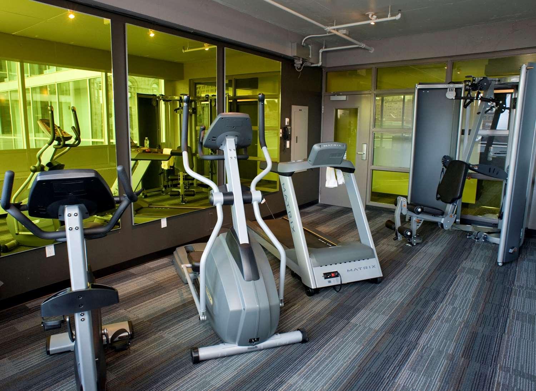 Fitness/ Exercise Room - Hotel Zero 1 Montreal