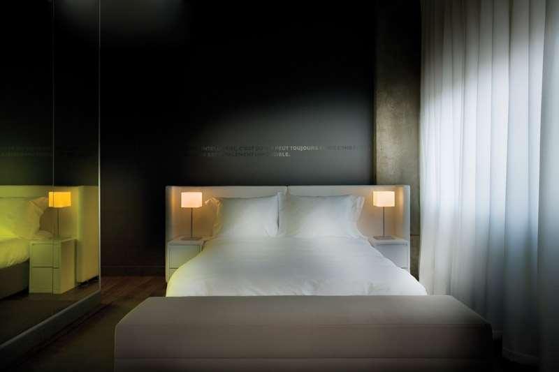 Room - Hotel Zero 1 Montreal