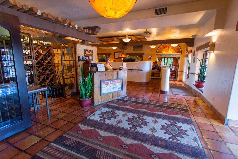 Lobby - Table Mountain Inn Golden