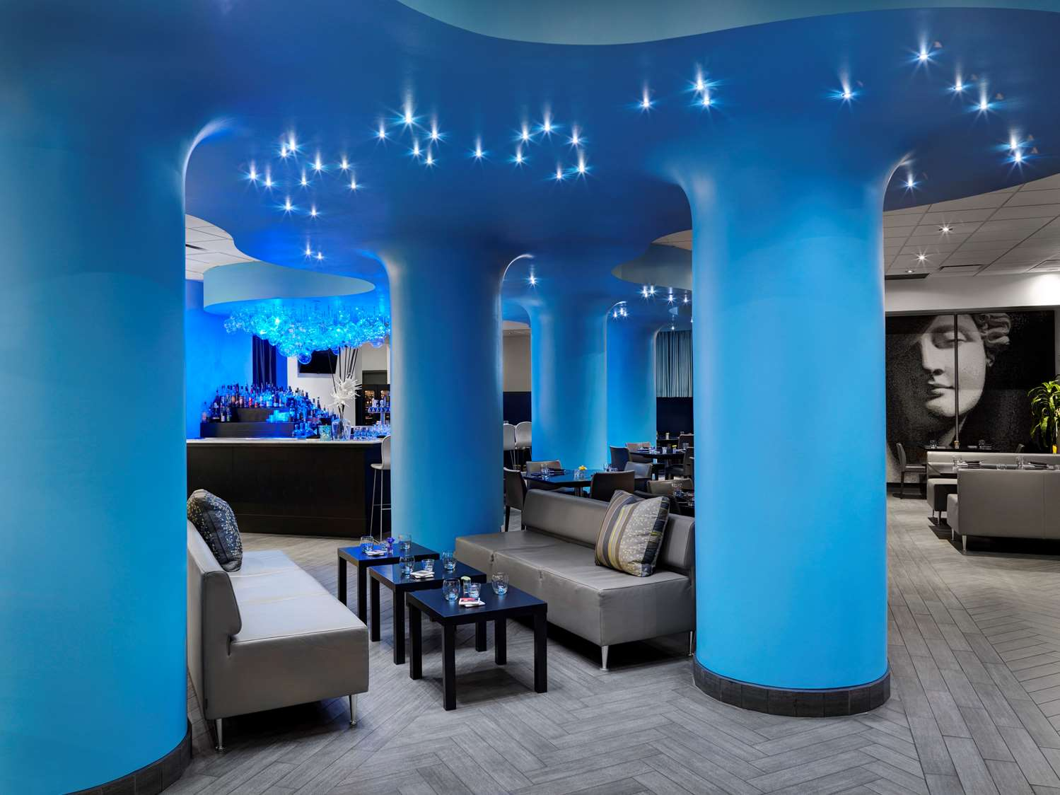 Bar - Hotel Arts Calgary