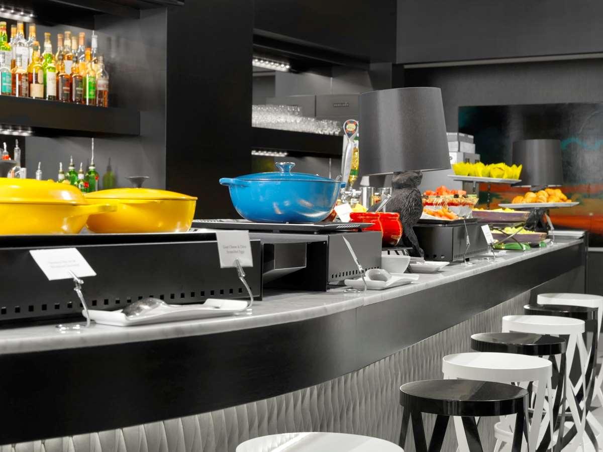 Restaurant - Hotel Arts Calgary