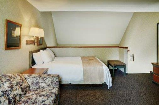 Room - Lakeview Inn & Suites Hinton