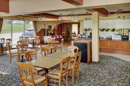 Restaurant - Lakeview Inn & Suites Hinton