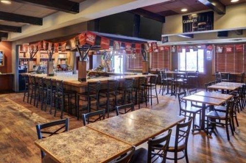 Lobby - Lakeview Inn & Suites Fort Saskatchewan