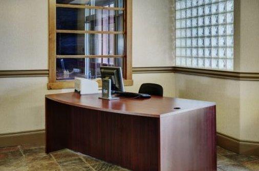 Conference Area - Lakeview Inn & Suites Fort Saskatchewan