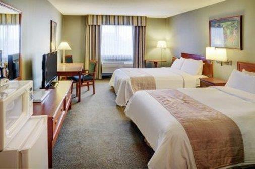 Room - Lakeview Inn & Suites Whitecourt