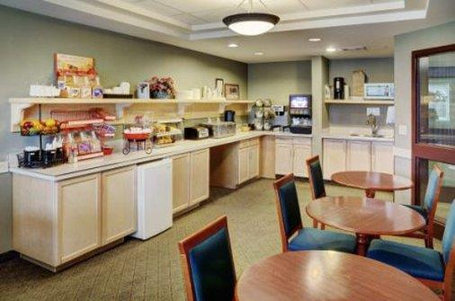 Restaurant - Lakeview Inn & Suites Whitecourt