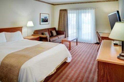 Room - Lakeview Inn & Suites Brandon