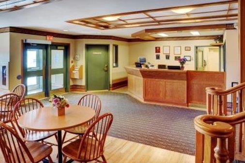 Lobby - Lakeview Inn & Suites Brandon