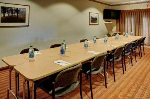 Meeting Facilities - Lakeview Inn & Suites Brandon