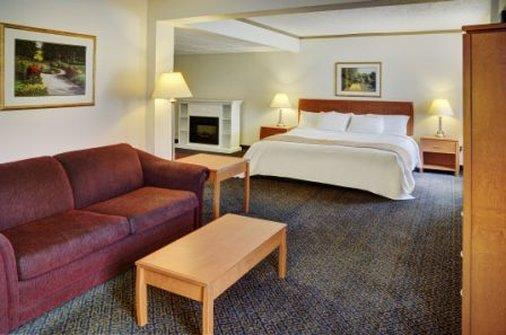 Room - Lakeview Inn & Suites Drayton Valley