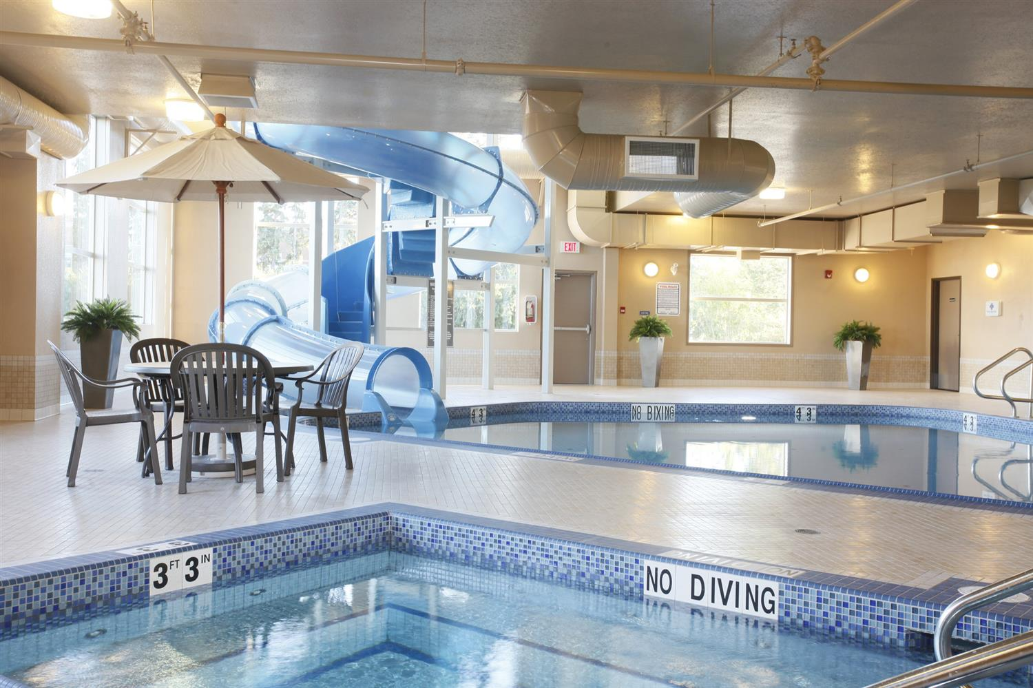 Pool - Pomeroy Inn & Suites at Olds College
