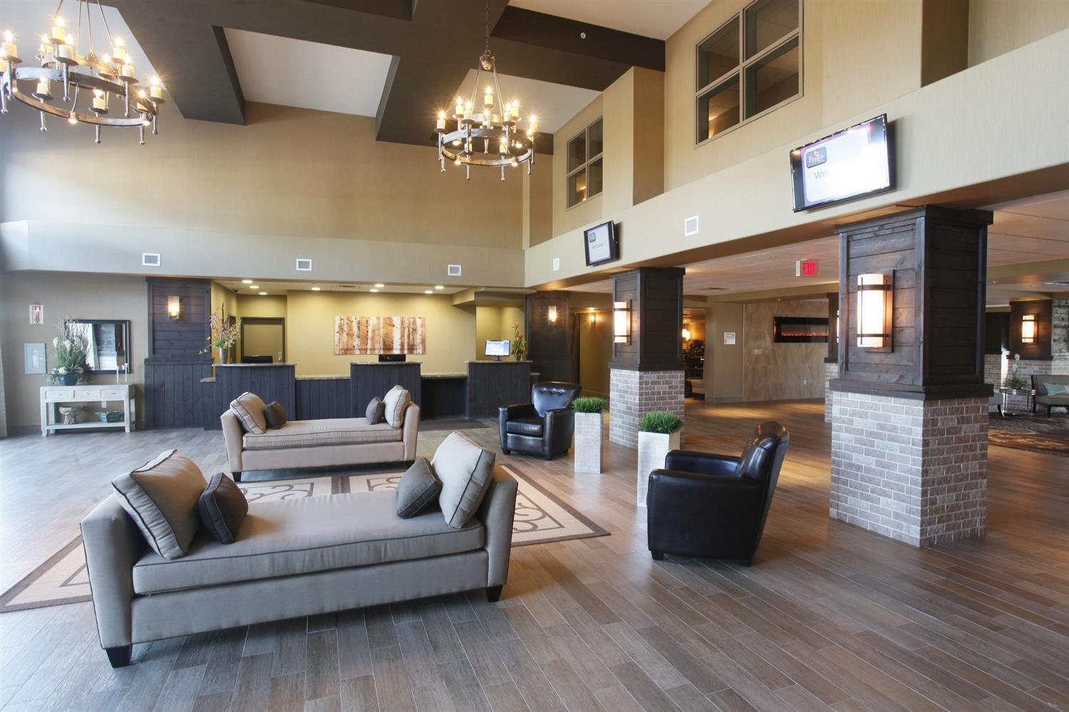 Lobby - Pomeroy Inn & Suites at Olds College