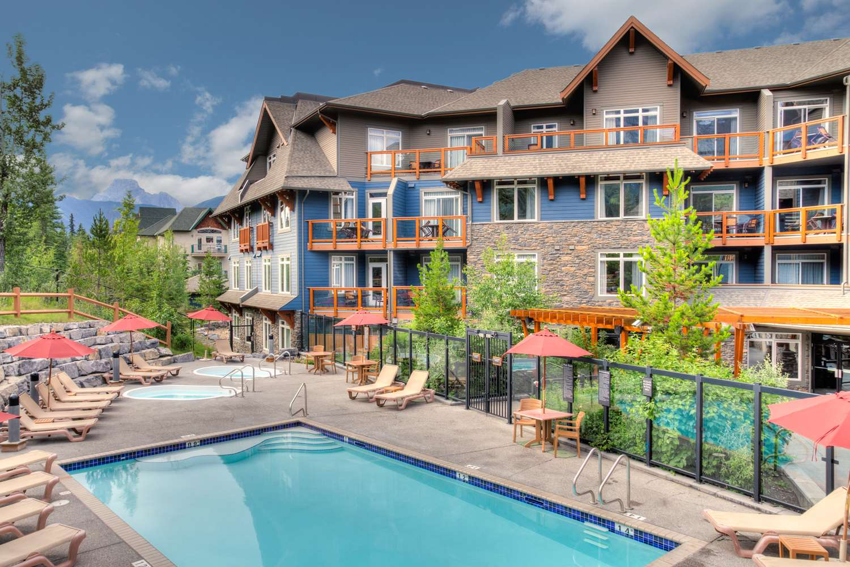 Pool - Blackstone Mountain Lodge Canmore