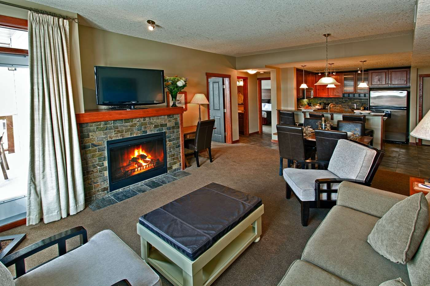 Room - Blackstone Mountain Lodge Canmore