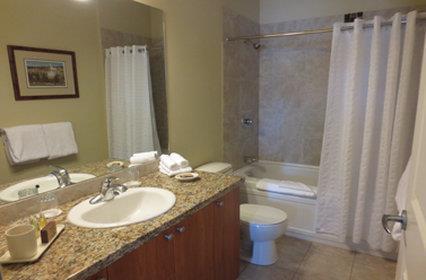 Room - Cove Lakeside Resort Westbank