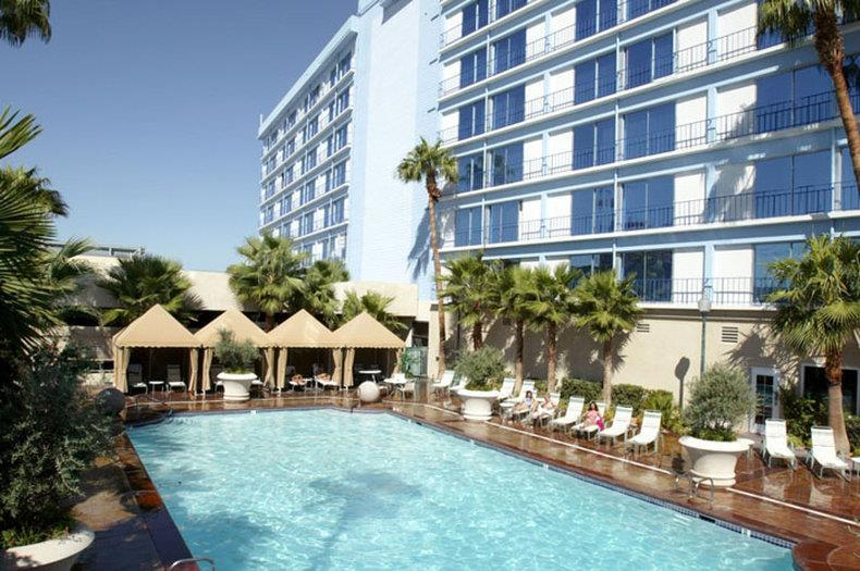 Pool - Royal Vacation Suites Las Vegas