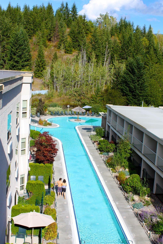 Pool - Hilltop Inn Salmon Arm