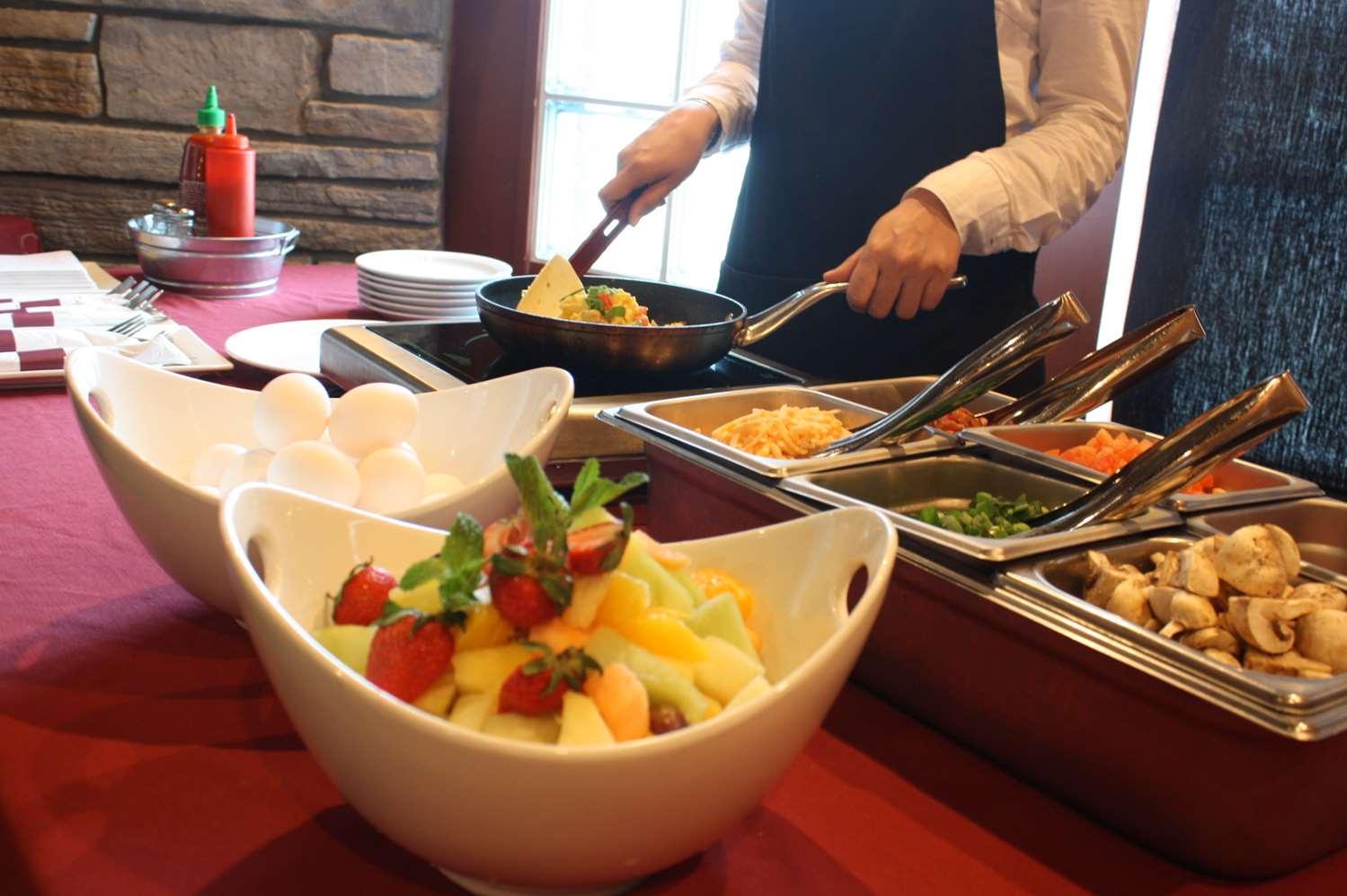 Restaurant - Podollan Rez-idence Fort McMurray