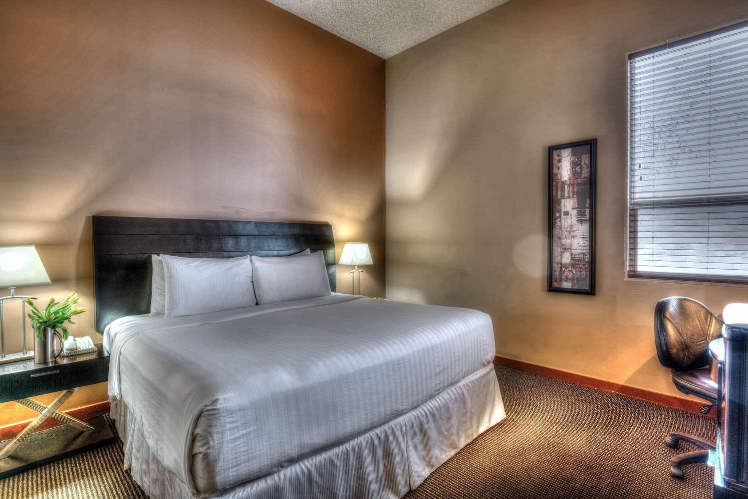 Room - Podollan Inn & Spa Grande Prairie